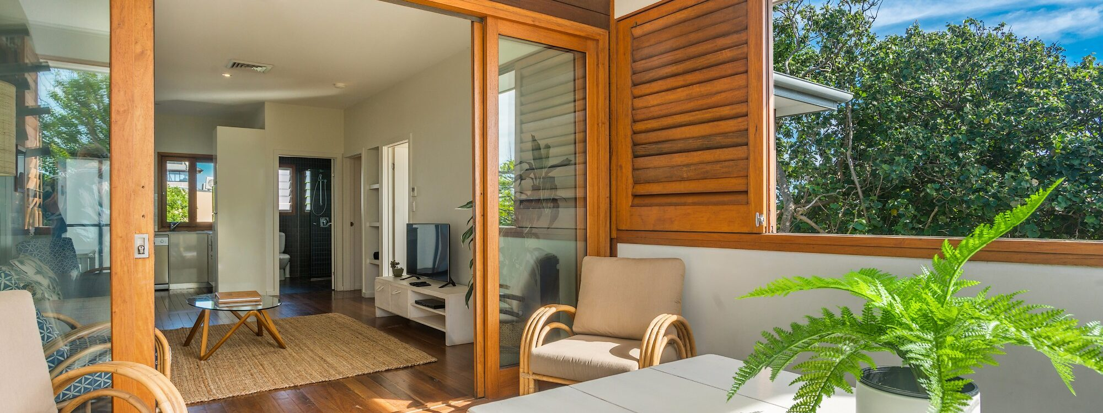 Quiksilver Apartments - The Wreck - spacious deck