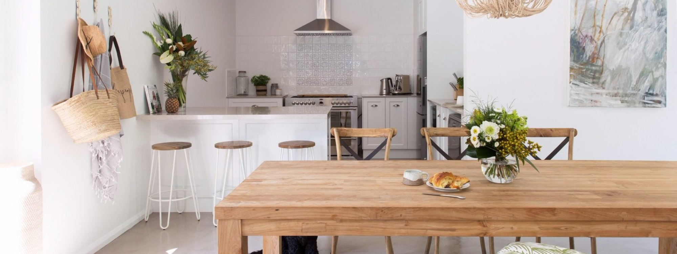 Satara - dining back to kitchen