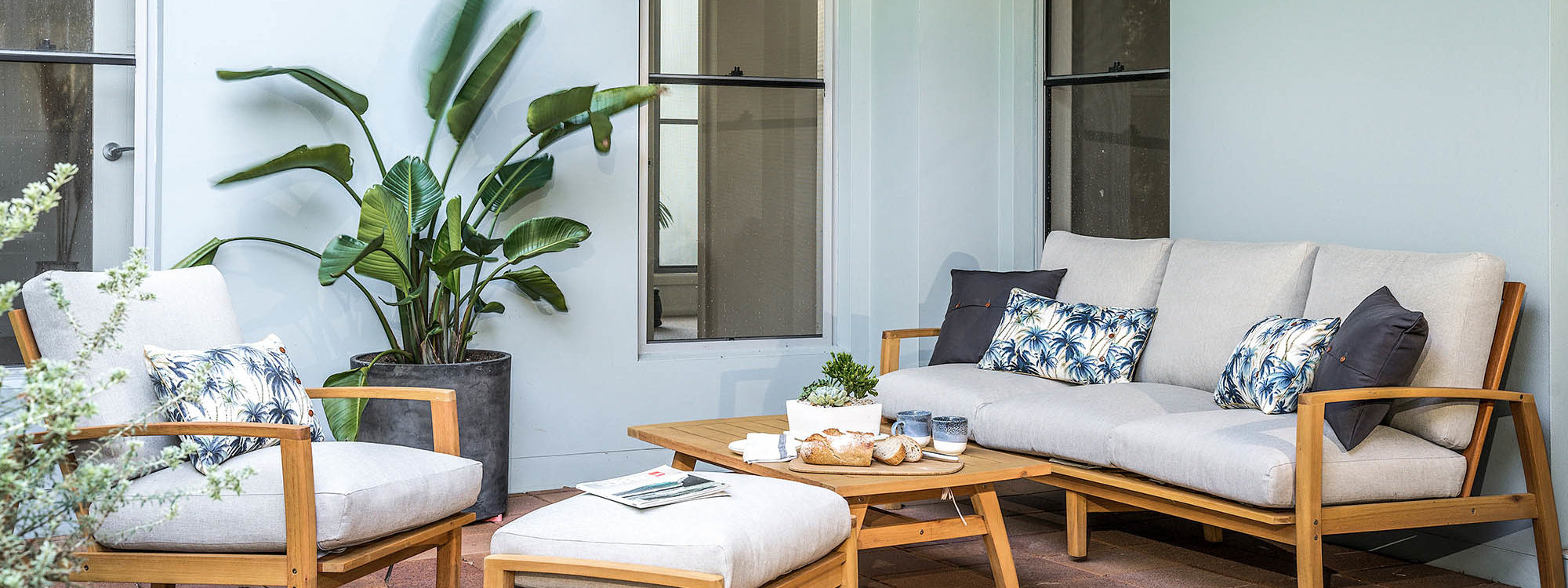 Shore Beats Work - Byron Bay - Side Deck