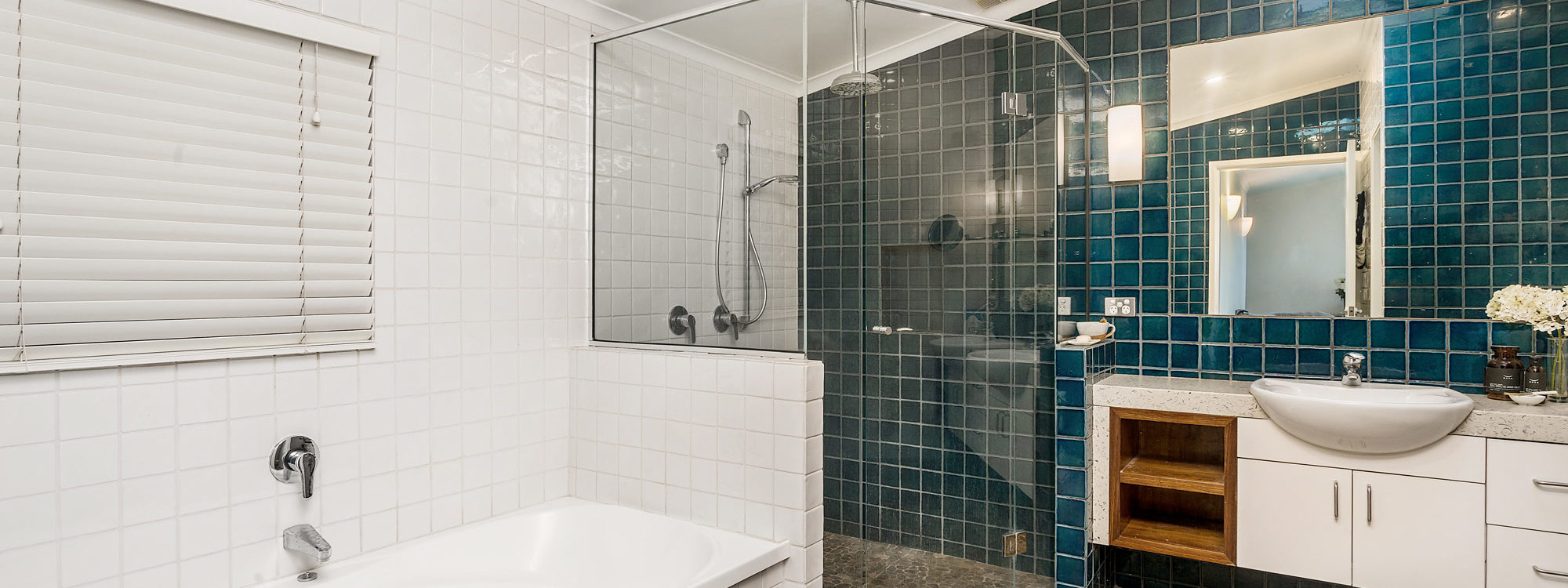 Stone and Grove - Byron Bay - Ewingsdale - Main bathroom