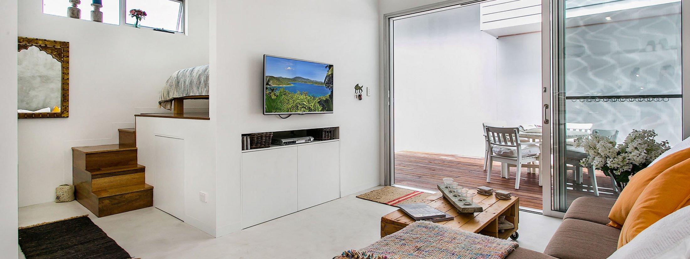 Studio 9 - Byron Bay - Living towards Bedroom
