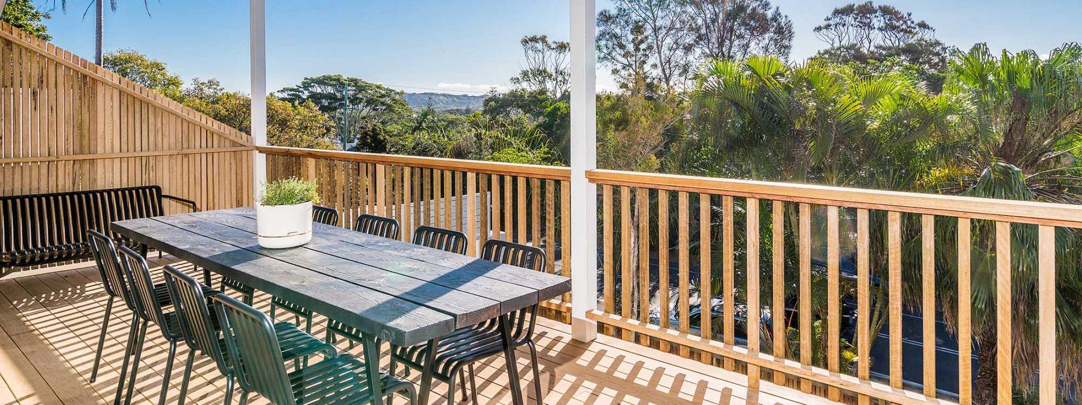 The Harrow - Byron Bay - Front Balcony b