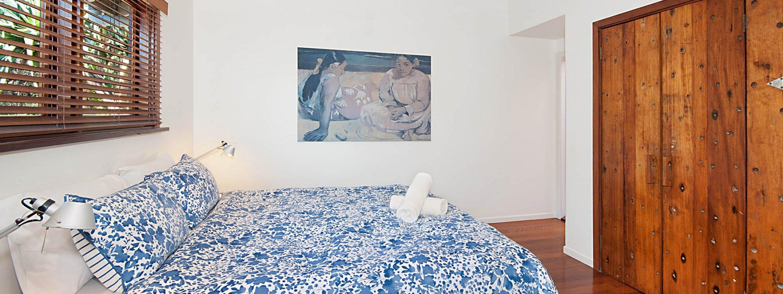 The Hawk - Wategos Byron Bay - Bedroom Master Upstairs with Ensuite