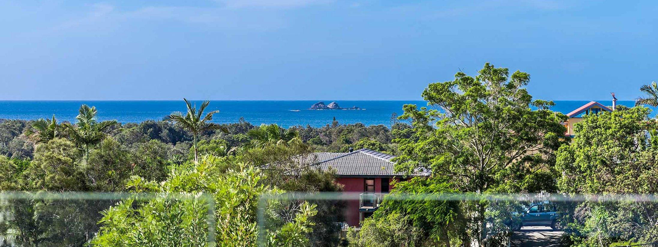The Lookout - Byron Bay - View to Julian Rocks