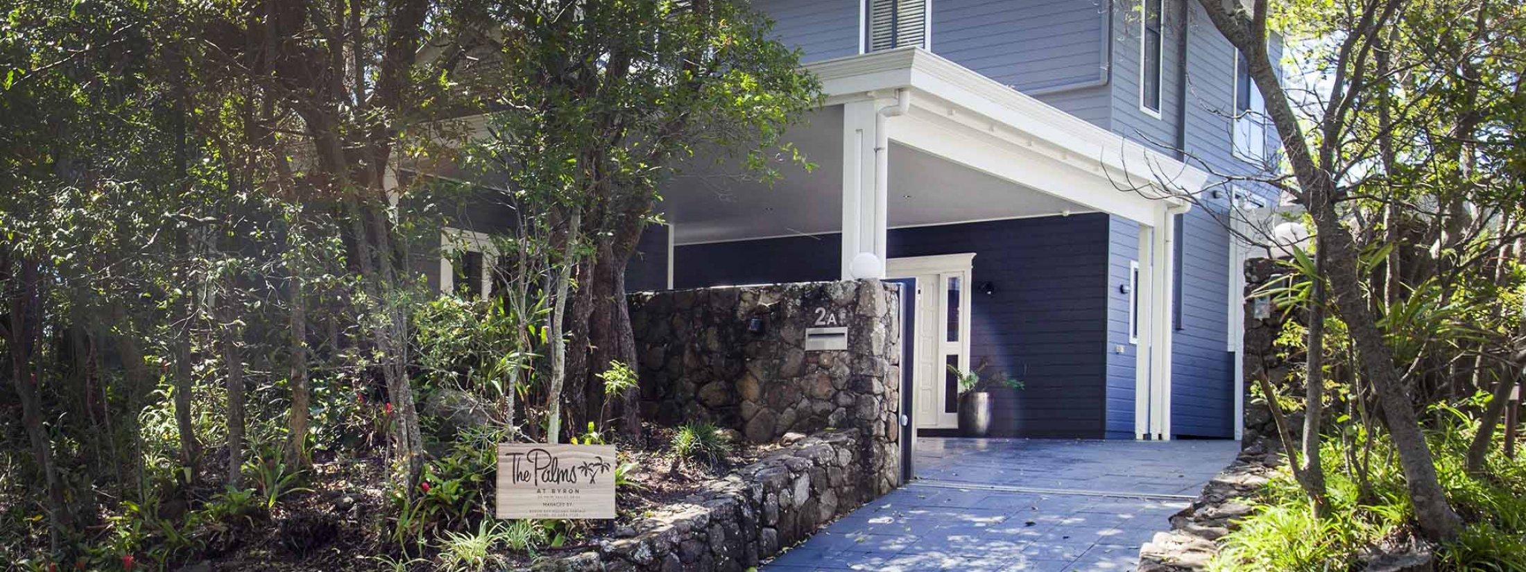 The Palms at Byron - Byron Bay - Driveway and entrance
