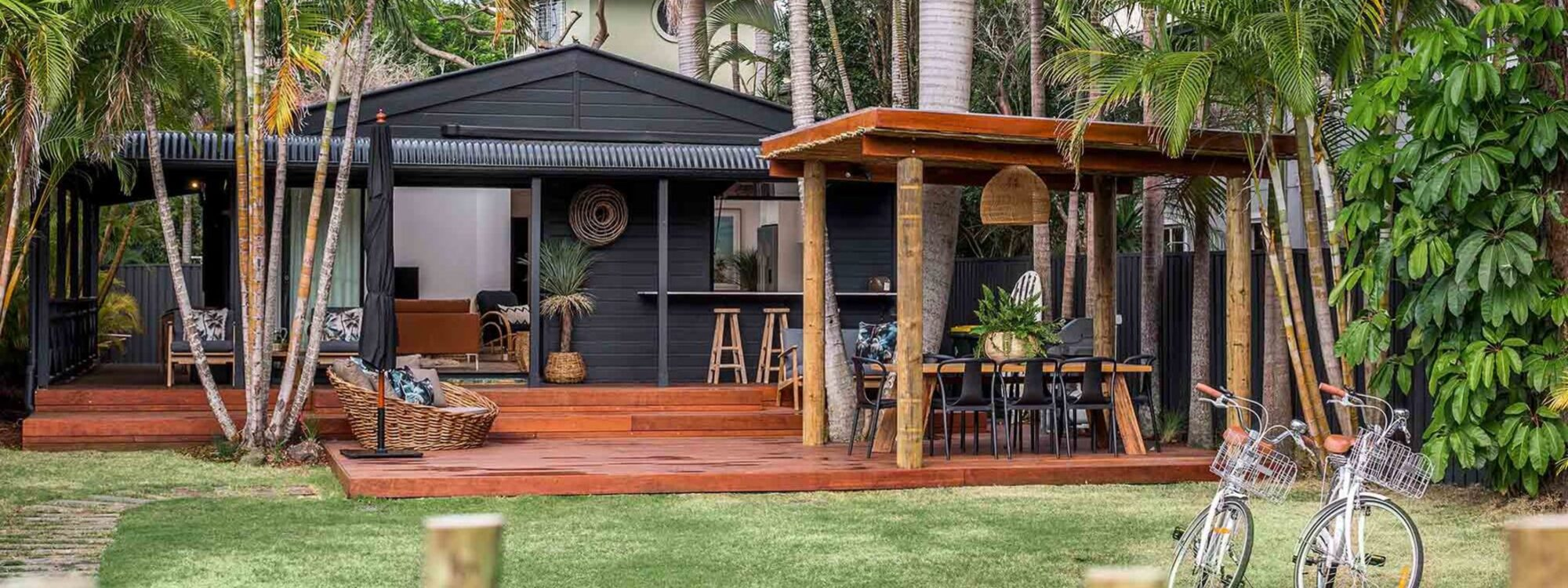 Three Salty Sisters - Byron Bay - Front of House b