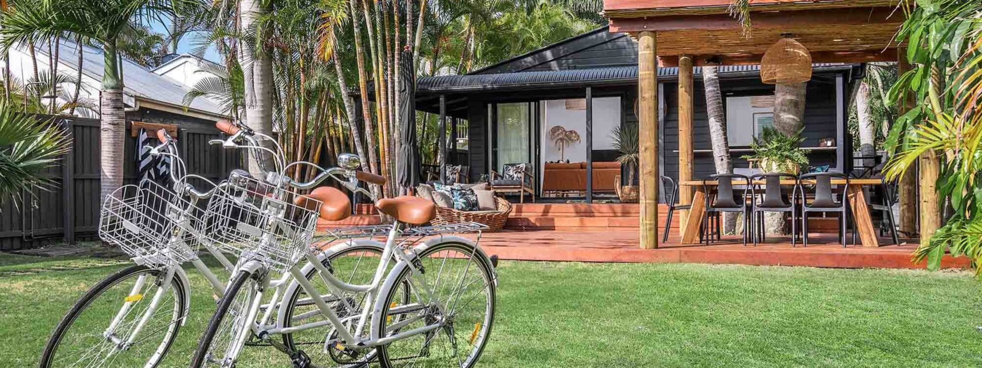 Three Salty Sisters - Byron Bay - Front of House e