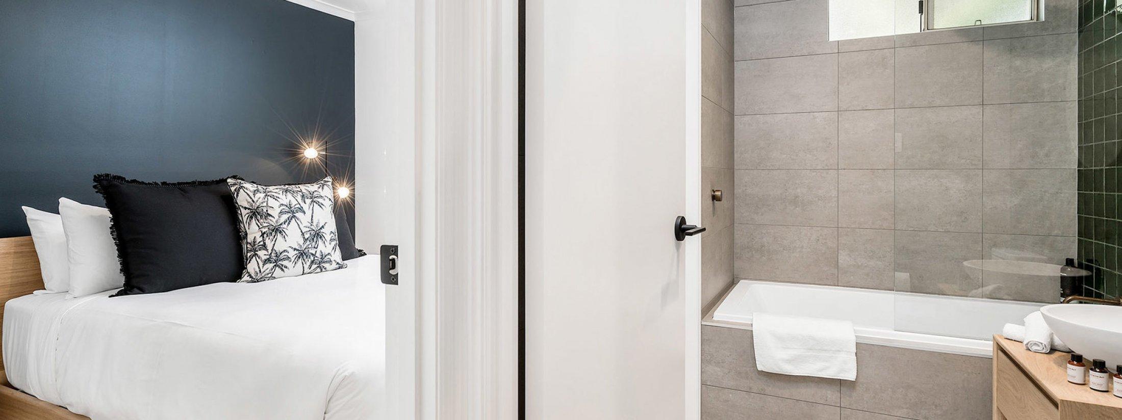 Three Salty Sisters - Byron Bay - Master Bedroom and 2 Way Bathrooms