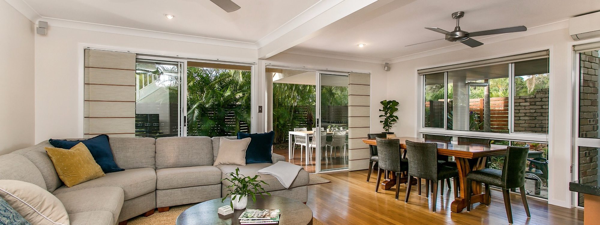 Tradewinds 4 - Clarkes - Living and Dining
