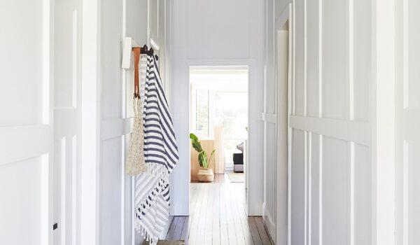 Belletide - Entrance hallway