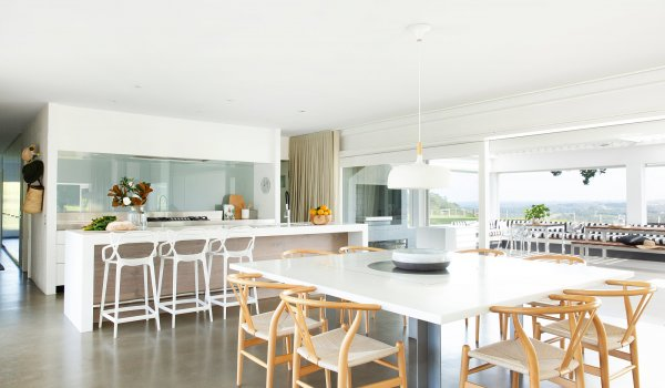 Amileka - Byron Bay Hinterland - Kitchen and Dining area b