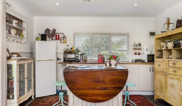 Baileys on Fernleigh - Kitchenette