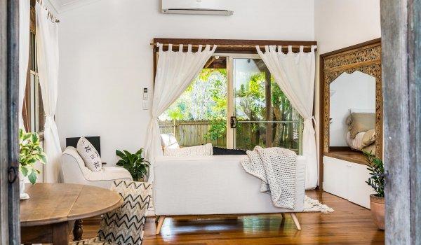 Bamboo Beach House - Byron Bay - Studio Living Area