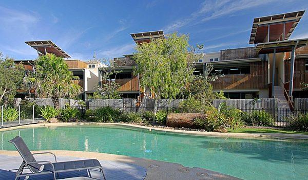 Beach Villa 17, East on Byron - Pool Area