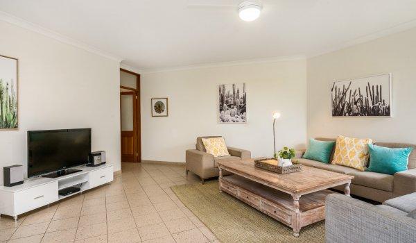 Byron Breeze 5 - comfortable lounge