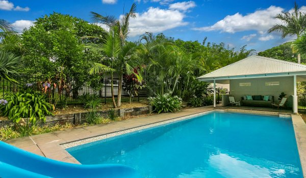 Byron Creek Homestead - Byron Bay - Pool and Cabana