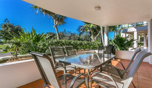Apartment 1 Surfside - Outdoor Dining