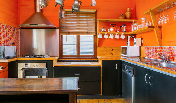 Bangalow Bungalow - Kitchen