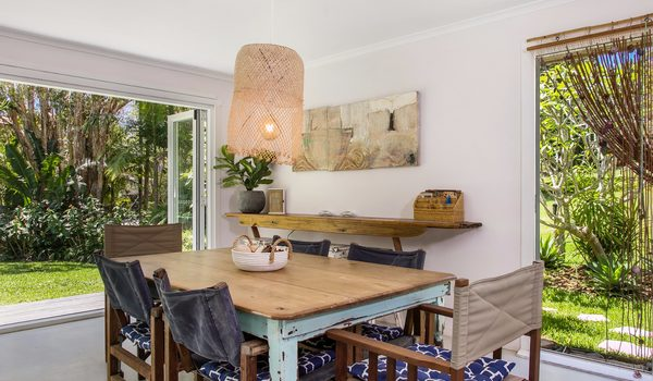 Susan's Beach House - dining area