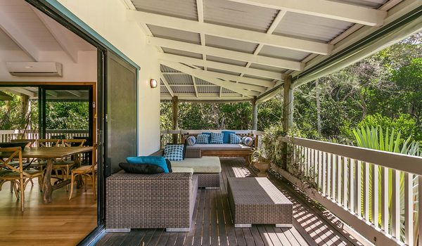 Tuckeroo Beach House - Suffolk Park - Verandah