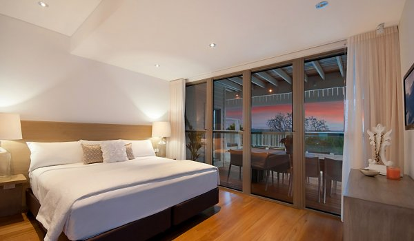 Vantage Over Byron - Bedroom