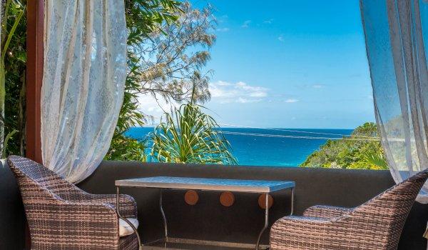 Wategos Retreats - Wategos Beach - Byron Bay - Studio balcony and views